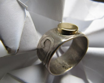 Silver   Ring   Gold     On  The  Top