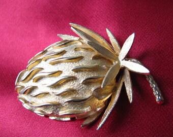 Vintage Strawberry Brooch Delicious Berry Brushed Metal Goldtone