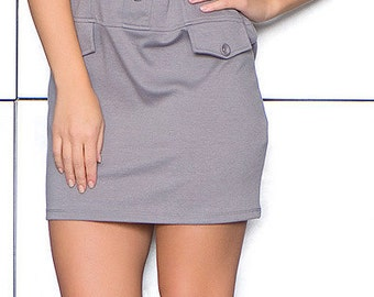 Grey sleeveless dress with round collar