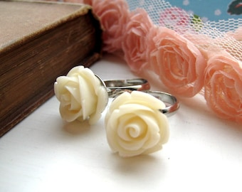 Cream Rose Adjustable Silver Ring
