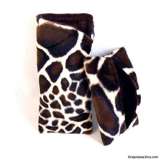 Giraffe Sunglasses Case Set Animal Print Accessories Eyeglass Holder and Tissue Cozy
