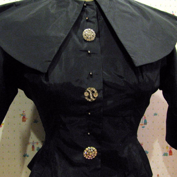 Vintage Womens SMALL Black Vampy Taffeta  Blouse Dressed Up Vintage Rhinestone Buttons