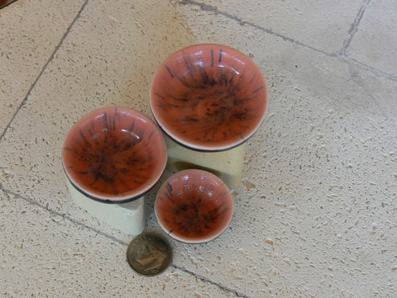 A Set of Tiny Porcelain Bowls in melon and black glazes
