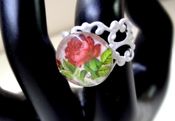 Pretty Red Rose Glass Cabochon Ring