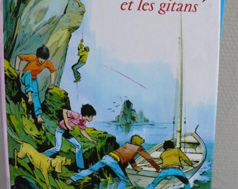 Childrens vintage book, Enid Blyton story., kids adventure tale, french language story, france literature, pink child book, famous five book