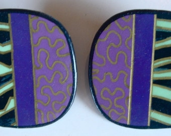 Fun, whimsical, lightweight earrings from the early 80s Mint