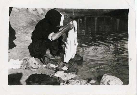 "Vintage Photo ""Outdoor Washing"", Photography, Paper Ephemera, Antique, Snapshot, Old Photo, Collectibles - 0037"