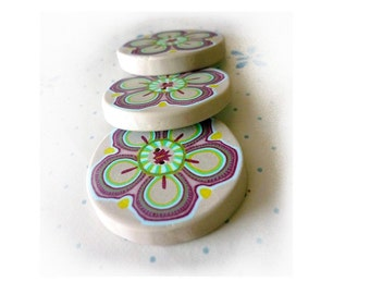 Polymer clay Flower buttons, diameter 1 ich 1/4 pastel handmade BUTTONS - Set of 3 - handmade floral buttons, spring inspiration
