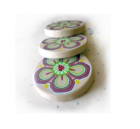 Polymer clay Flower buttons, diameter 1 ich 1/4 pastel handmade BUTTONS - Set of 3 - handmade floral buttons, spring inspiration