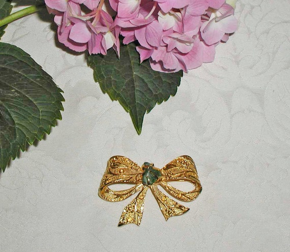 Gold Bow Brooch With Jade Stone