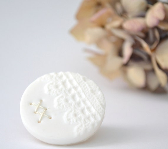 clay brooch with stitches - white vintage lace brooch - delicate lace imprint brooch - white textured brooch - gift for her - wedding brooch