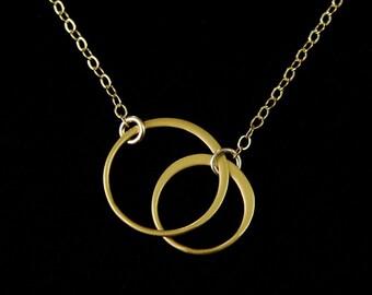 GOLD Elegant Eternal Circles on Gold Chain Medium