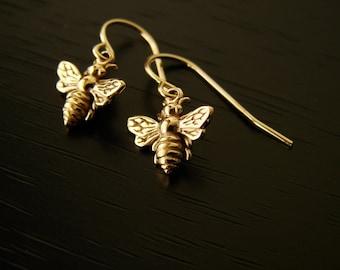 Gift Bronze Honeybee Bumble Bee Earrings,Mother's Day Gifts, bee earrings, bronze bee earrings, wedding gift, bridesmaid gift