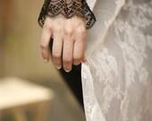 Lace Cuff Bracelet Fabric Jewelry  Black velvet accessories Retro chic Victorian Bohemian women. CORDON NOIRE.