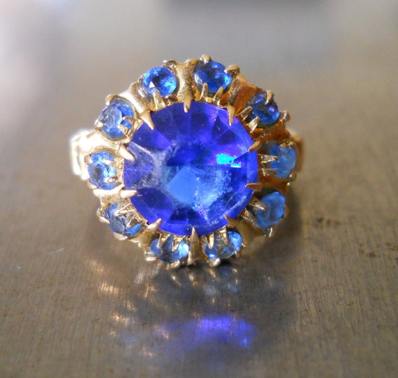 Vintage Cocktail Ring - 1920s Ring - Faux Sapphire Ring- Vintage Fashion Ring - Blue Topaz Ring- Electric Blue Ring-Art Deco Costume Ring
