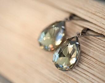 Gray Earrings, Grey Earrings, Vintage Swarovski Earrings, brass dangle earrings. Bridal earrings. Bridesmaids earrings. Wedding earrings.