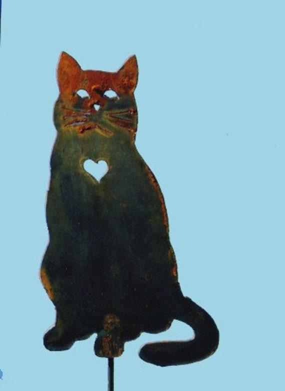 Cat with heart yard art by rustiques garden art for Cat yard art
