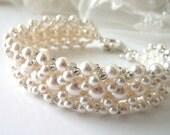 Pearl Bracelet, White or Ivory Pearl Bracelet, Bridal Bracelet, Bridal Jewelry, Wedding Jewelry, Wedding Bracelet, Mother of the Bride Gift