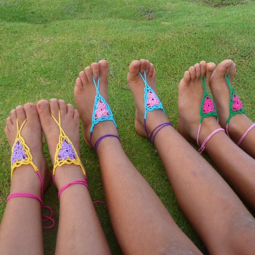 Bare Foot Teen 33