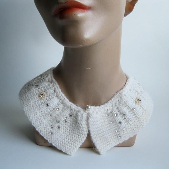 Vintage 1950s Collar - White Angora Wedding Necklace - Winter Fashions