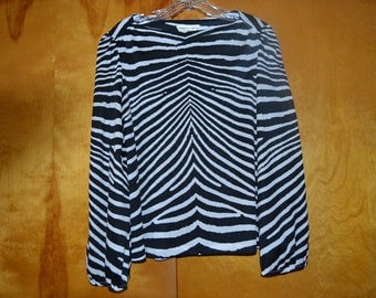 Zebra design poly blouse with open sleeves size M