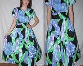 2 lips .. Vintage 80s dress / 1980s garden tea party / 50s style full skirt / rockabilly mad men Betty / Alice romantic  ... S M