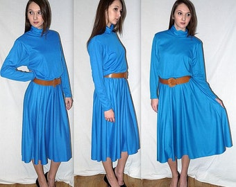 Growing pains ..... Vintage 80s blue dress / 1980s minimalist jersey knit / belted full skirt / office day winter fashion / boho maxi .. S M