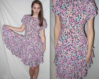 Blossom .. Vintage 80s floral dress / 1980s romantic garden tea party / ruffled Alice wedding picnic .. XS S