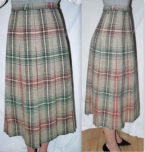 At the hop .. Vintage 50s pleated skirt / high waist waisted / 1950s accordion box pleats / plaid wool / drop waist / schoolgirl ... XS S