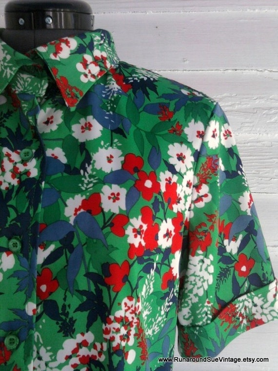 Vintage 1960s 70s Green Retro Floral TIKI Blouse with Unique Collar