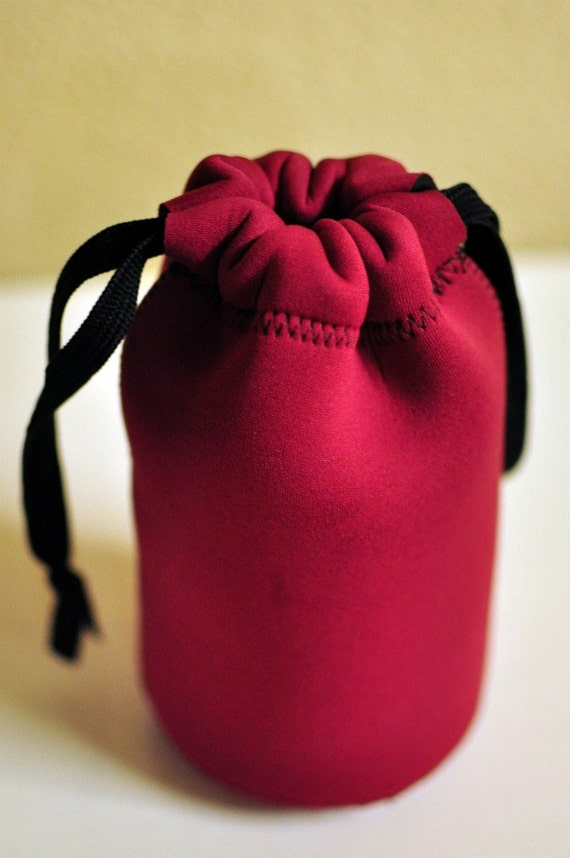 Neoprene lens case - raspberry