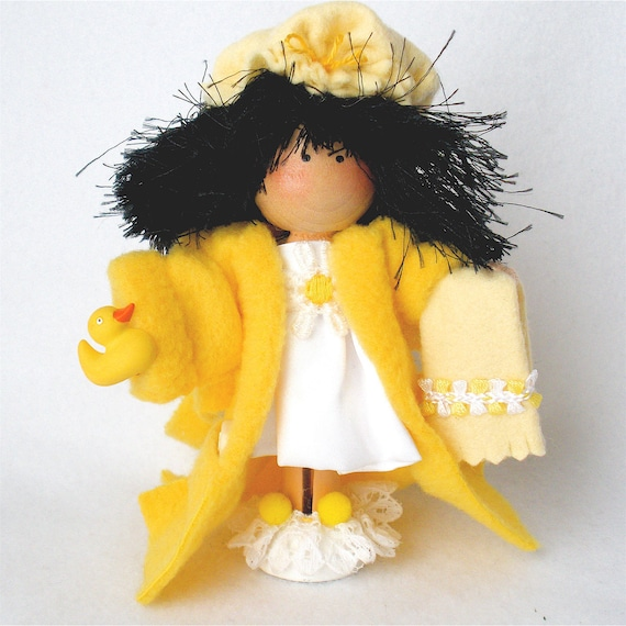 Yellow Bath Robe Clothespin Art Doll Bath Time  Satin Nightie - Pegtales In Hot Water