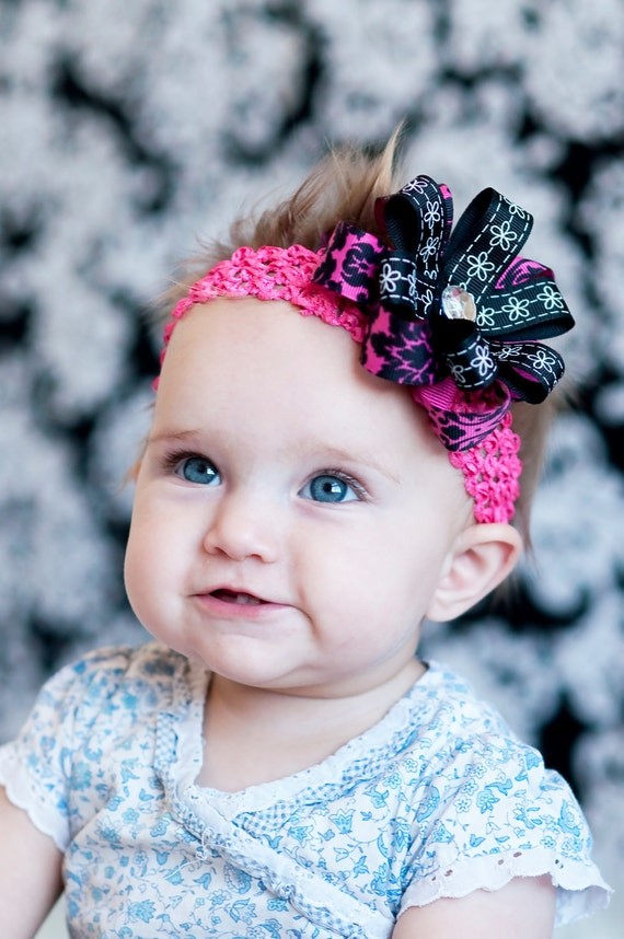 Baby hair bow ... pink  Headband, pink hairbow, Infant Headband, Infant Bow, newborn, toddler, little girl