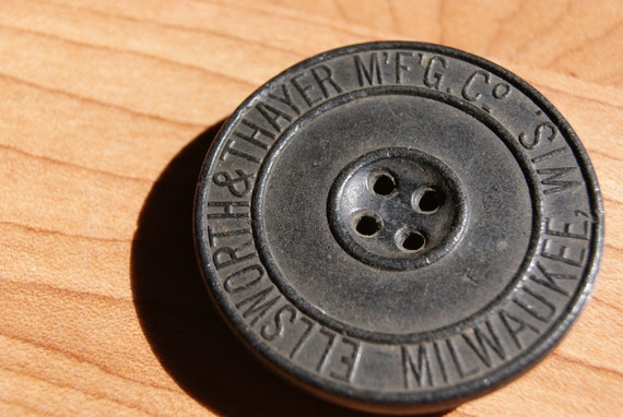Rare Black Ellsworth & Thayer Mfg. Co. Milwaukee, WI Large Advertising Button