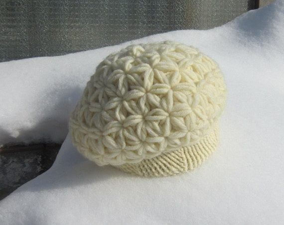 Ecru Crochet Puff Hat. Winter Woman Beret. Wool Handmade Women Accessory. Ecru Vanilla Hat. CIJ. Gift for Her designed by dodofit on Etsy