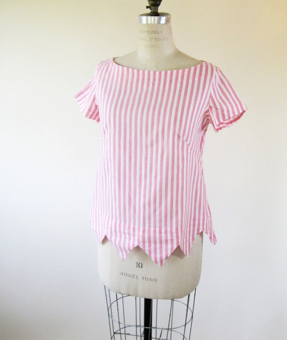 1960s Pink Striped Blouse Triangle Hem Boatneck Cap Sleeves Womens Large