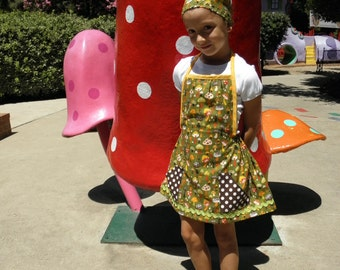 Darling girls homesewn apron dress and headband, size 4 to 5 or made to order