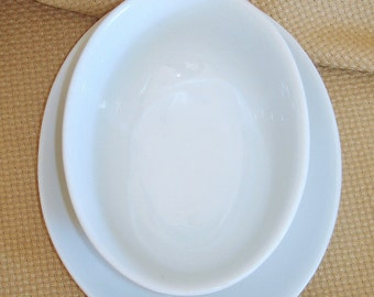 Gravy Boat Sauce Boat Vintage Oval Porcelain White China. Arzberg Brand Bianco Pattern Germany