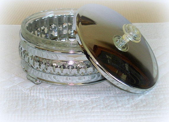 Round Vintage Dresser Box with Glass Insert and Silvertone Lid