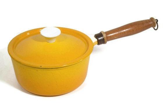 Descoware Saucepan Yellow Enamel Cast Iron Wood Handle Belgium 1960's