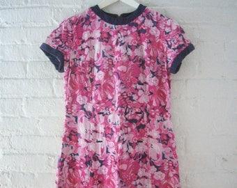 1960s Pink Floral Shift Dress 60s Vintage Mod Cotton Pique Medium Large Peck and Peck Day Dress Magenta Navy Blue Summer Garden Party Dress