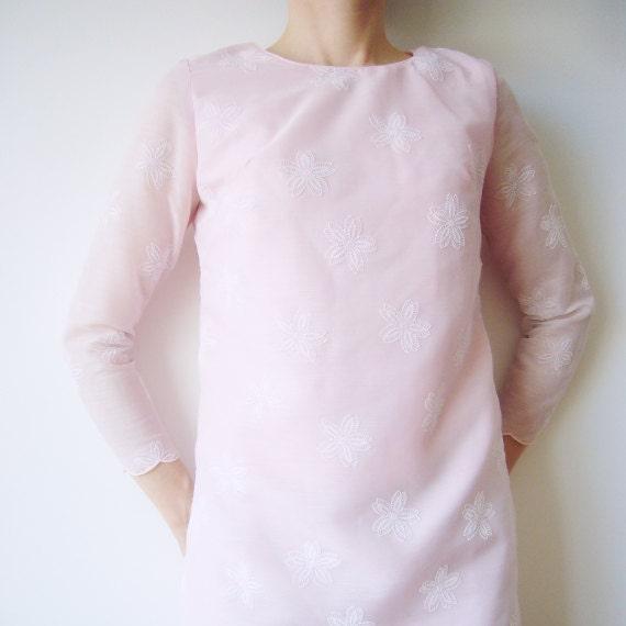 1960s Pastel Pink Shift Dress 60s Vintage Mini Dress Sheer Pale Floral Med Mod Lolita Dolly Dress White Blush Cotton Long Sleeve Day Dress