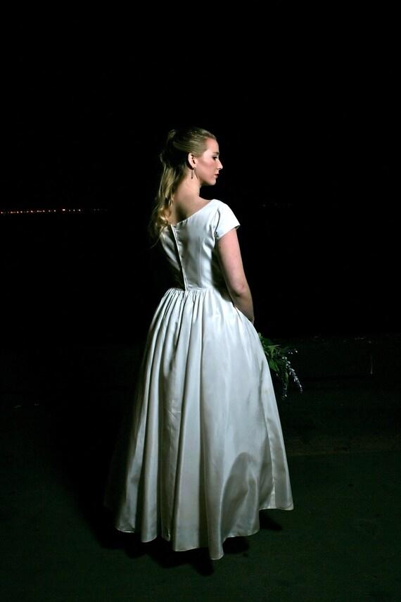 1960s white wedding dress, small to medium