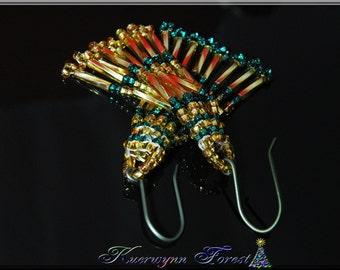 Chrstmas earings, Gold and  Green, beaded, dangle earrings, handwoven earrings