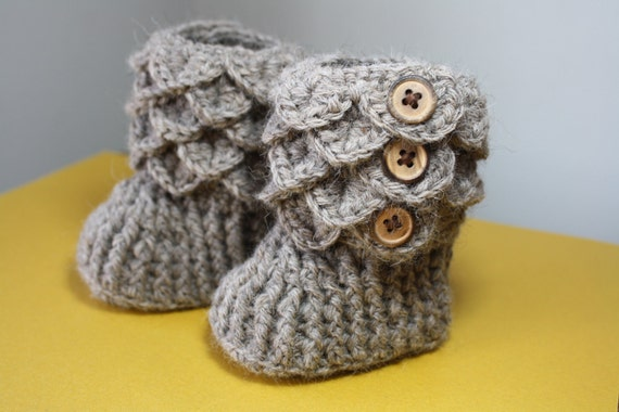 Crochet Baby Booties, Made to order, 0-6 or 6-12 months, PREMIUM Alpaca rose grey yarn, Heirloom