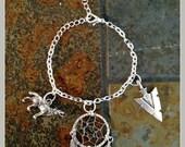 Dream of Wolves - Dreamcatcher Charm Bracelet