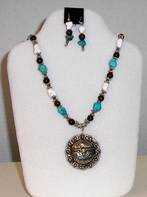 Western Style Necklace With Matching Earrings By Gemnique On Etsy