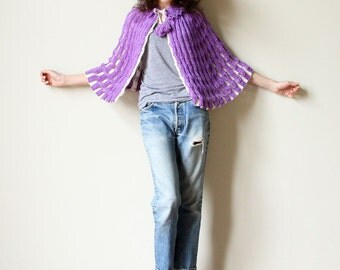Reversible 60s Cape - two tone handknit capelet, white & periwinkle purple, Mod double knit lace Pop Color sweater jacket