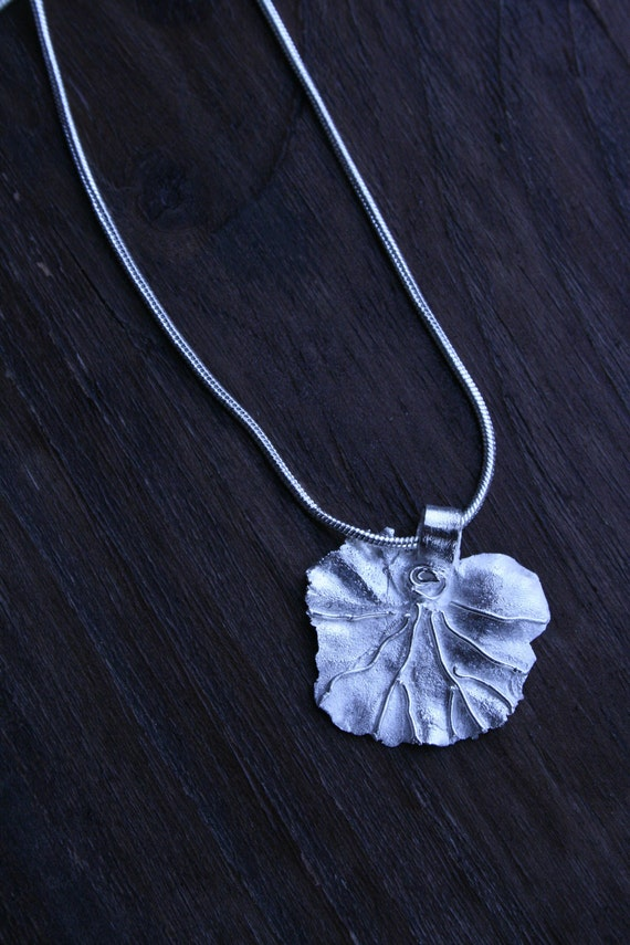 Silver Geranium leaf (small) on a silver chain