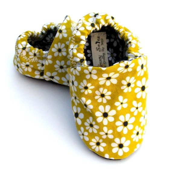 Last Pair Left- Little Daisy Baby Girl Handmade Baby Shoes with Kiwi Green Background- Size 12-18 months